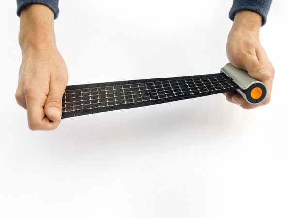 WAACS-ROLLABLE-SOLAR-CHARGER-MAX