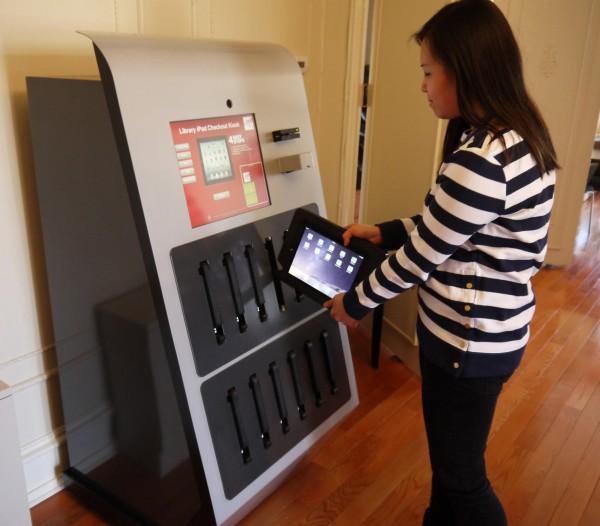 ipad-kiosk-checking-out-ipad