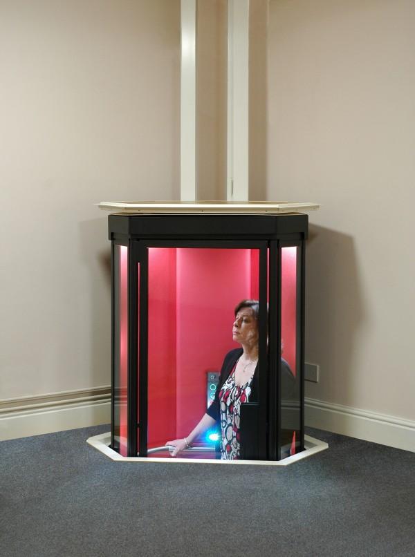 シニアがより安全に暮らせる家を。家庭用ミニエレベーターというコンセプト Social Design News