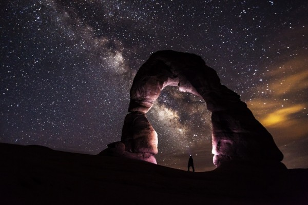 delicate-arch-night-stars-landscape-large