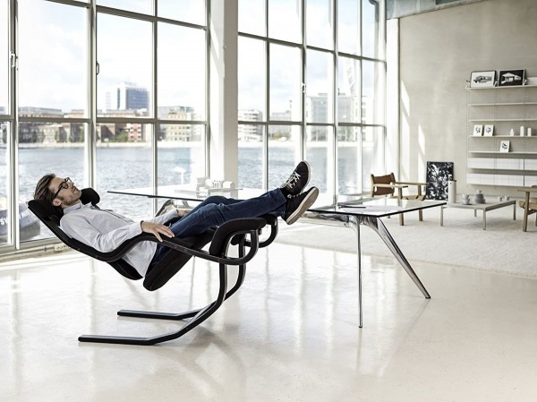 relaxing-reclining-chair